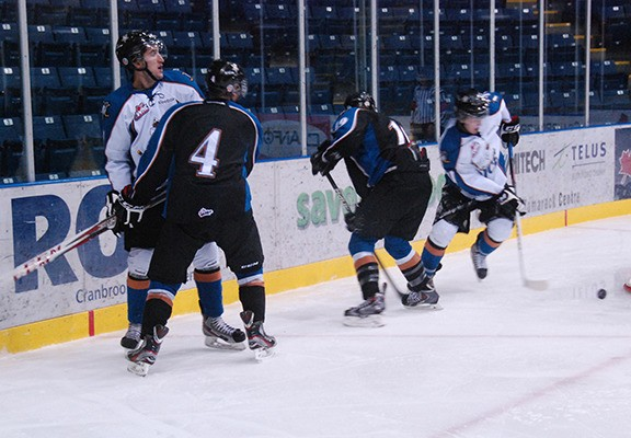Kootenay Ice veterans and prospects mingled in the annual Black-White United Way charity game on Sunday afternoon. White took the game by a score of 7-3 to wrap up the club's training camp.
